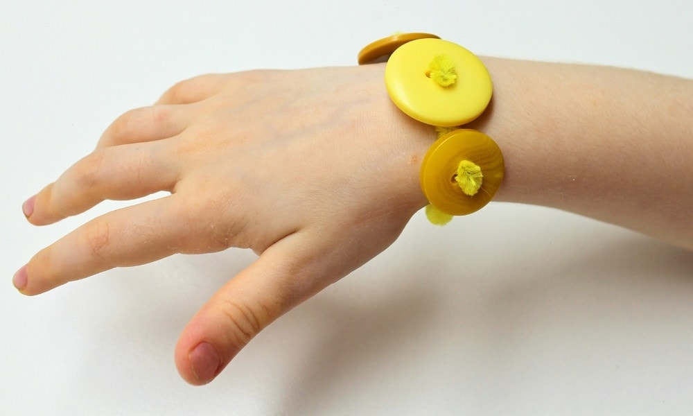 Easy Pipe Cleaner Button Bracelets